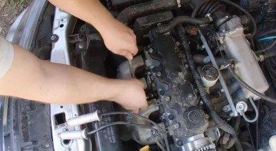 Какие должны быть свечи на без проблемном моторе. И как снять броне провода и свечи.