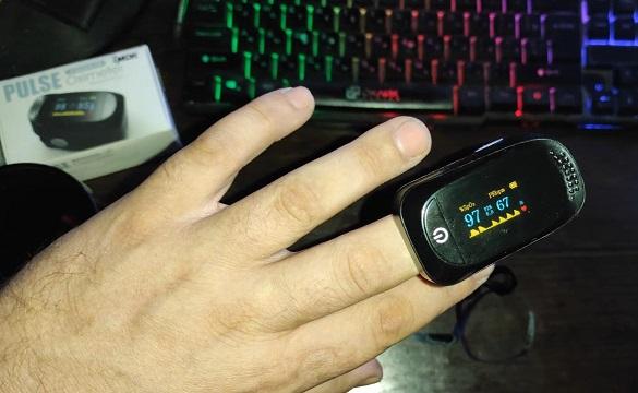 Пульсоксиметр Пальчиковый портативный, прибор для измерения пульса и уровня кислорода в крови